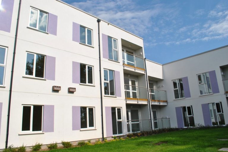 Energy efficient rainscreen cladding